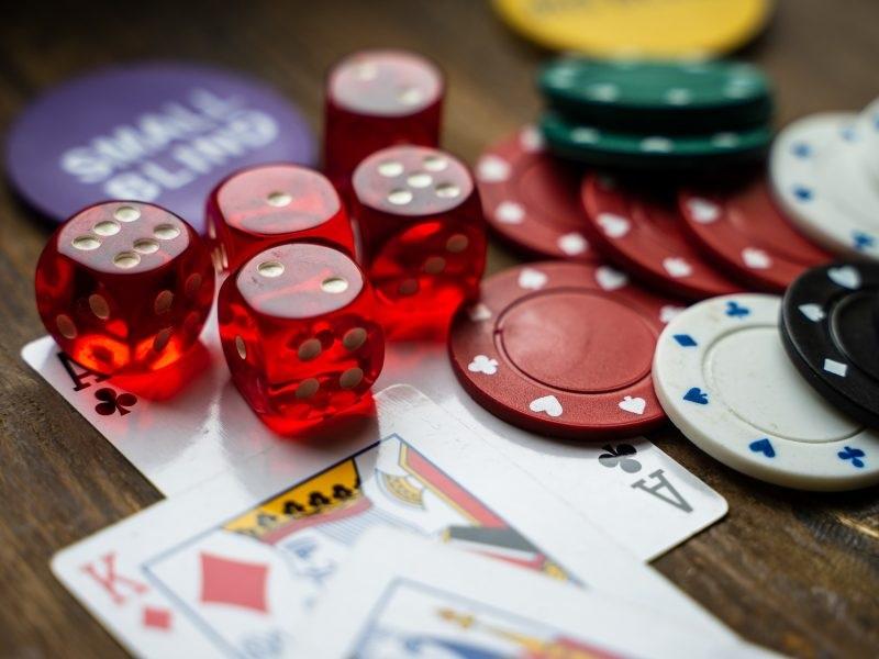 Lady Luck In a e-casino Gambler